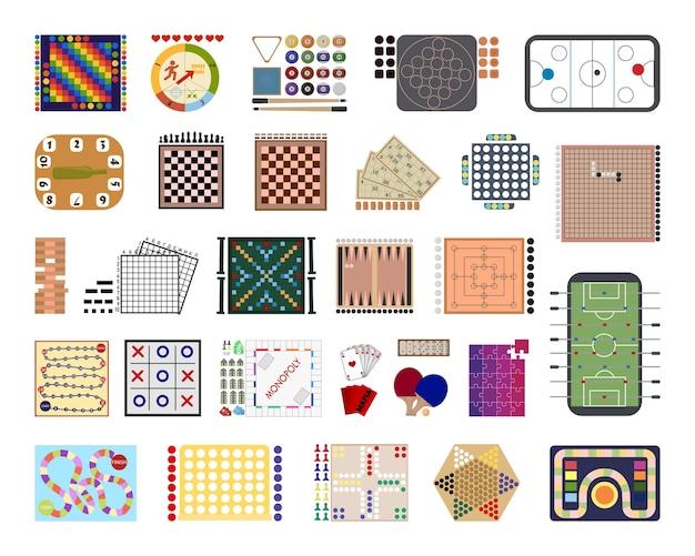 Coleção de jogos de tabuleiro detalhados.