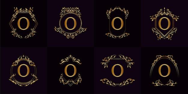 Coleção de logotipo inicial o com ornamento de luxo ou moldura de flor