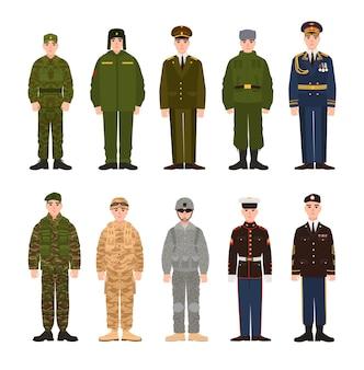 Coleção de militares russos e americanos ou pessoal vestido com vários uniformes. pacote de soldados da rússia e eua. conjunto de personagens de desenhos animados planos. ilustração vetorial colorida moderna.