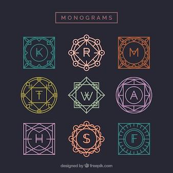 Coleção de monogramas multicoloridos