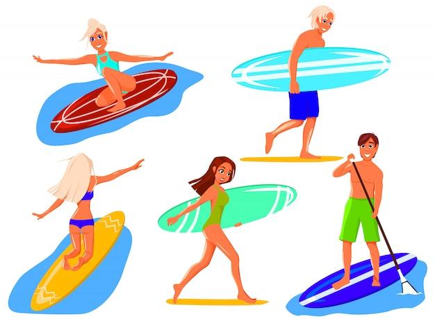 Coleção de pessoas engraçadas engraçadas em trajes de banho surfando no mar ou oceano.