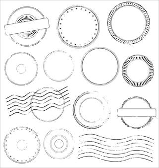 Coleção de selos postais e carimbos em preto isolado no fundo branco