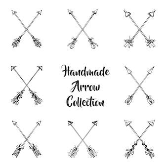 Coleção de setas desenhadas a mão em preto e branco