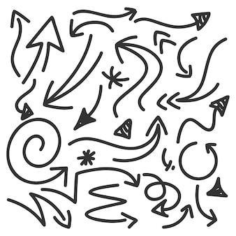 Coleção de setas desenhadas à mão estilo doodle isoladas no fundo branco