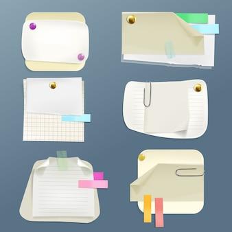 Coleção de vários papéis de nota com pinos e clipes. fita adesiva e limpa forrada, verificador