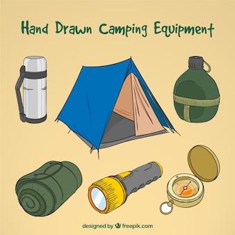 Coleção equipamentos acampamento desenhada mão