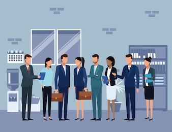 Colegas de trabalho em uma reunião discutem o trabalho