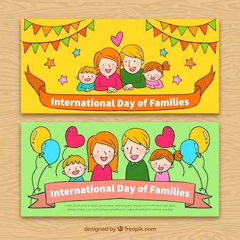 Colorido banners com elementos desenhados à mão para dia internacional de famílias