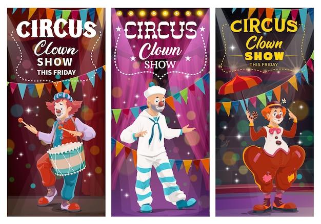 Comédia de palhaços de circo mostra banners. palhaços com maquiagem facial, vestindo traje de marinheiro e fantasia de vagabundo, dançando e tocando bateria, atuando em palco iluminado ou personagens de desenhos animados de arena de circo