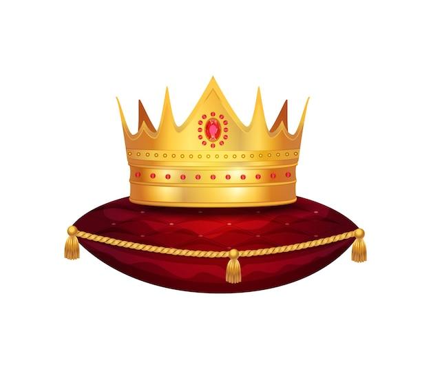 Composição da coroa real de ouro com imagem isolada da coroa em travesseiro de veludo vermelho