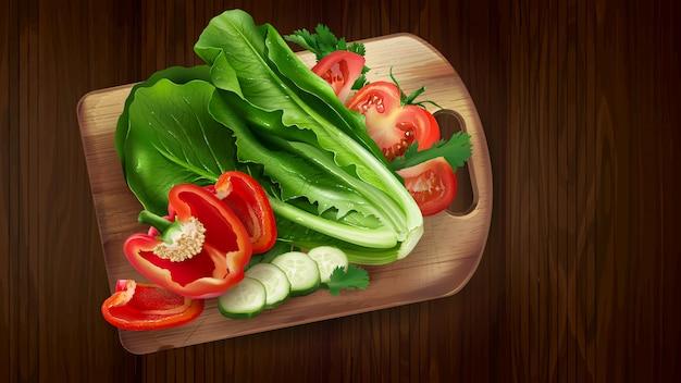 Composição de alface, tomate e pimentão.