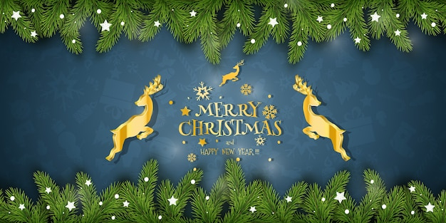 Composição de natal. desejos de férias em fundo azul com ramos de abeto e veados dourados