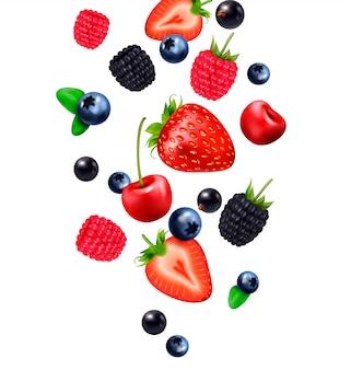 Composição realista de queda de frutos silvestres com imagens de bagas caindo e fatias de morango no fundo em branco
