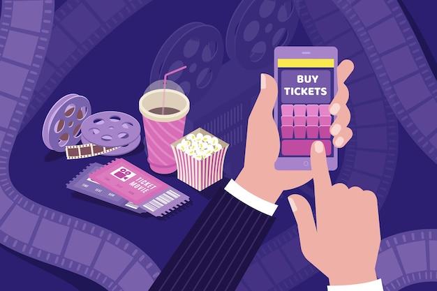 Comprar ingressos de cinema on-line composição isométrica segurando bobinas de filme de filme de pipoca de mão em smartphone