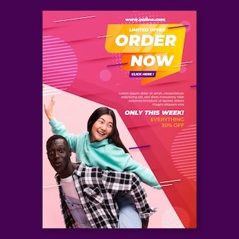Compras online com modelo de pôster de casal