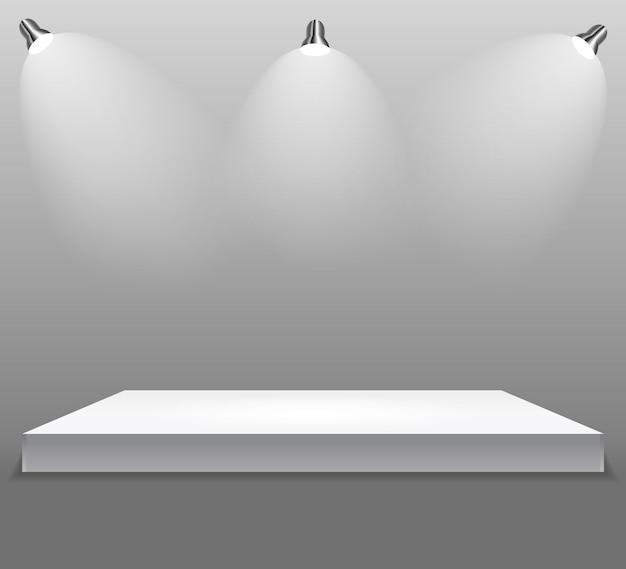 Conceito da exposição, suporte vazio branco da prateleira com iluminação em gray background.