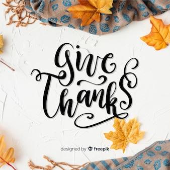 Conceito de ação de graças feliz com letras