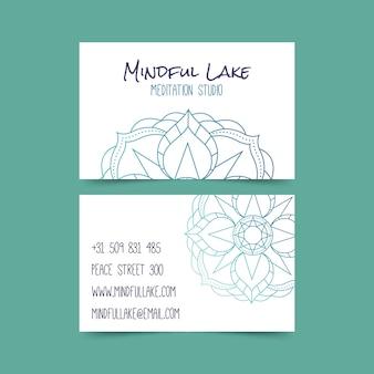 Conceito de cartão de visita mandala