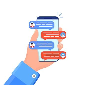 Conceito de chatbot. woman conversando com chat bot no smartphone.