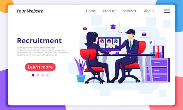 Conceito de contratação e recrutamento, uma mulher sentada na mesa com um terno de negócio em uma entrevista de emprego.