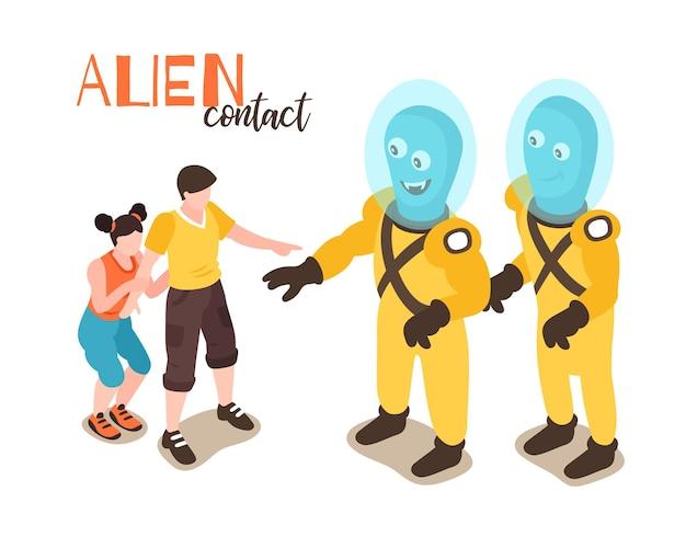 Conceito de design de contato alienígena com menino e menina conhecendo humanóides engraçados de desenhos animados
