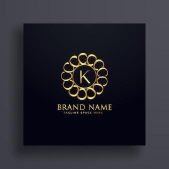 Conceito de design de logotipo dourado premium k da letra k