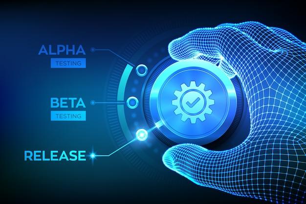 Conceito de engenharia de teste de software. teste de versão alpha beta. mão em wireframe girando um botão de processo de teste e selecionando o modo liberar produto.