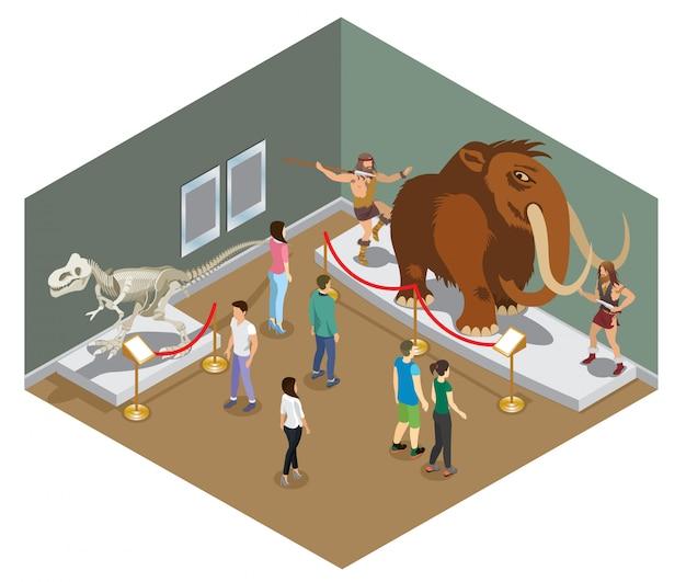 Conceito de exposição de museu isométrico com visitantes vendo esqueleto de dinossauro e exposição de povos primitivos caçando mamutes isolados