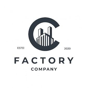 Conceito de logotipo de fábrica com elemento de letra c.