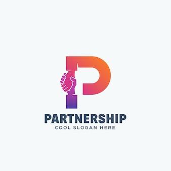 Conceito de parceria. shake de mão incorporado na letra p. emblema ou modelo de logotipo.