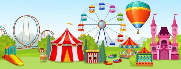Conceito de parque de diversões de atrações radicais e de entretenimento no fundo da paisagem natural de verão