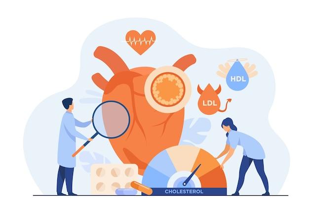 Conceito de risco de doença cardíaca. exame médico do coração com colesterol alto, pressão arterial e problemas no sistema cardiovascular.