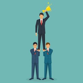 Conceito de trabalho em equipe de sucesso. empresários criativos