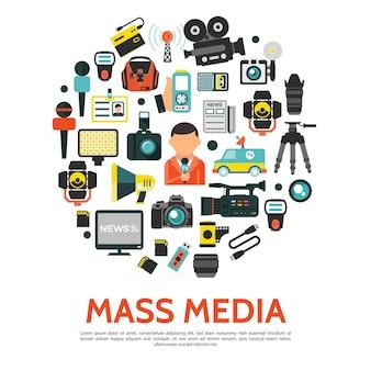 Conceito redondo de mídia de massa plana com câmeras de vídeo de fotos de carros de notícias da torre de rádio do repórter