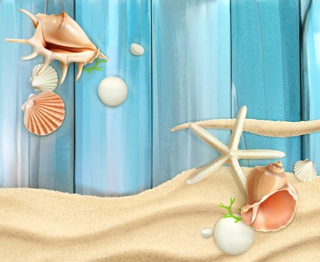 Conchas do mar na areia e fundo de madeira