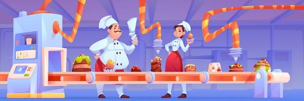 Confeiteiros na fábrica de doces decoram a produção de chocolate na correia transportadora com sobremesas doces, padaria e bolos, movendo-se em linha com o sistema de automação e fabricação.