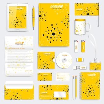 Conjunto amarelo de modelo de identidade corporativa do vetor. maquete de papelaria médica moderna. projeto de identidade visual com molécula. medicina, ciência, conceito de tecnologia. Vetor Premium