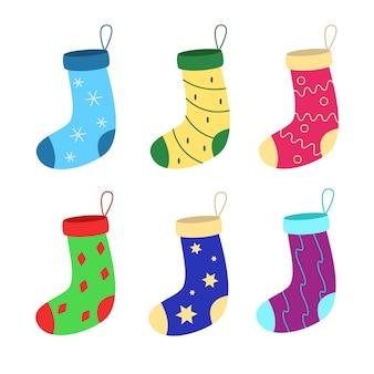 Conjunto colorido brilhante de meias de natal para presente.