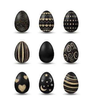 Conjunto com ovos pretos realistas com padrões dourados