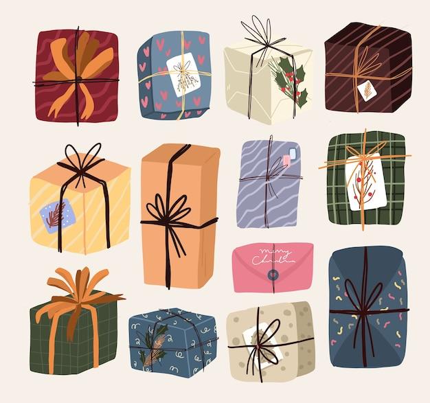 Conjunto de adesivos de presentes de elementos de desenho animado de natal