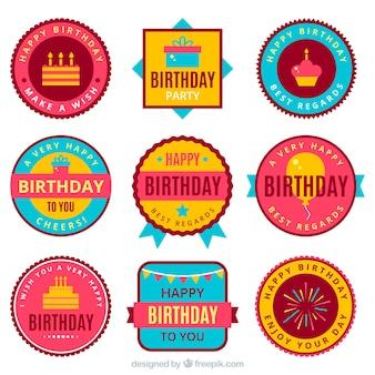 Conjunto de adesivos retro de festa de aniversário em design plano