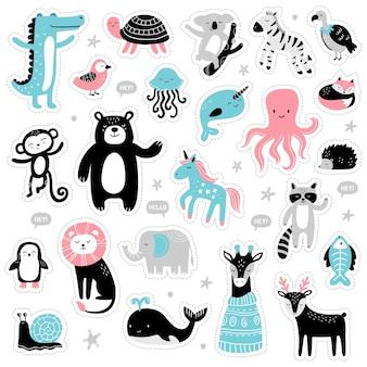 Conjunto de animais bonitos desenhados à mão