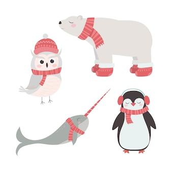Conjunto de animais fofos em chapéus e lenços de inverno pinguim coruja de neve urso polar narval natal