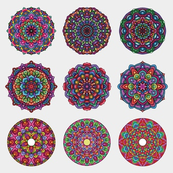 Conjunto de arte detalhada mandala colorida