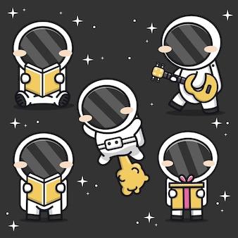 Conjunto de astronauta fofo na ilustração do ícone dos desenhos animados do espaço
