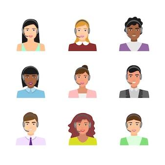 Conjunto de avatares de trabalhadores de call center em roupas modernas
