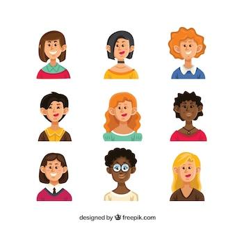 Conjunto de avatares femininos desenhados mão