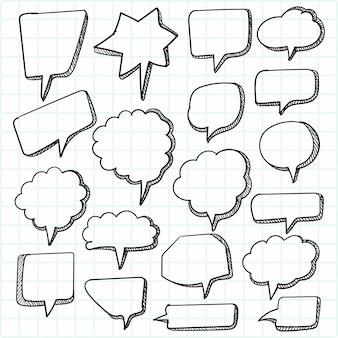 Conjunto de balões de fala de esboço desenhado à mão