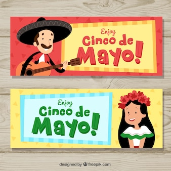 Conjunto de bandeiras de cinco de maio com elementos tradicionais