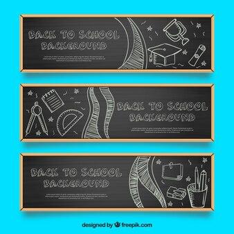Conjunto de bandeiras de quadro-negro com desenhos escolares